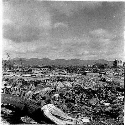 هيروشيما وضحايا القنبلة النووية  Hiroshima-ville-detruite2